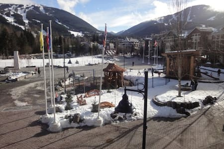 2 bedroom Whistler Village Condo with views - Whistler - Lejlighed