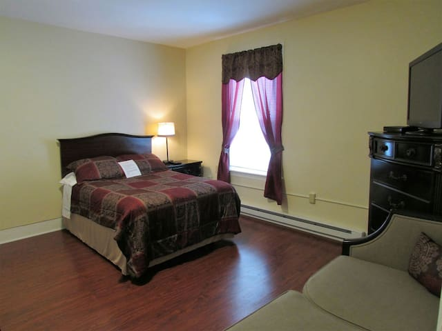 Bright, Private Studio Apartment! 18-1 - Nashua - Apartamento