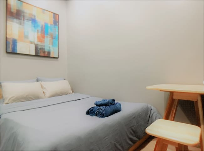 Delistay Double Room 1 City Center Walk to River