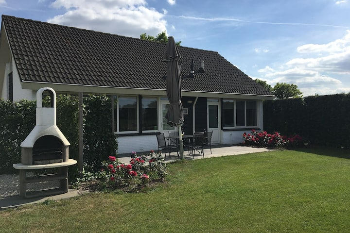 Holiday home in a quiet location near the centre with a beautiful view of the meadows