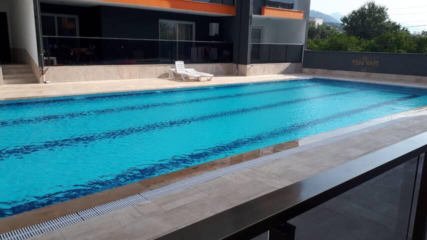 Kuşadası-Davutlar Havuzlu Sitede, Milli Parka 5 dk