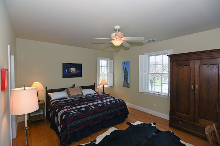 Chief Solano Suite - Ground level facing vineyard and sunset.  King bed.  Flat screen TV.  Private bathroom with shower.