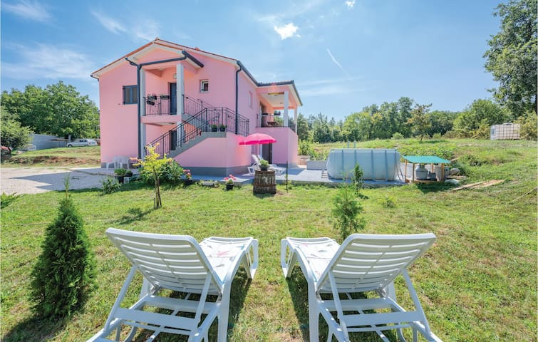 Holiday apartment with 2 bedrooms on 72m² in Boljevici