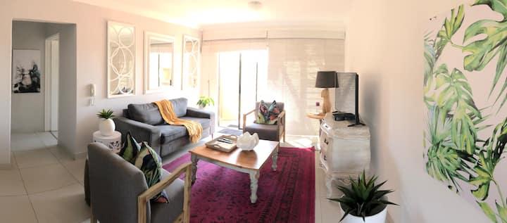 Sunny Umhlanga Apartment - 59 The Shades - WIFI