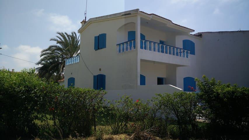 Belle Villa à plage Essanaouber (dit David)