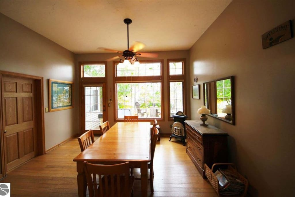 Host dinner for up to 20 in this 45 foot eat in kitchen and dining area with a great view of the lake.