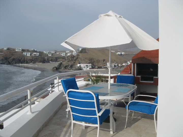 CASA frente mar a 15 mts orilla playa Toyo Seco