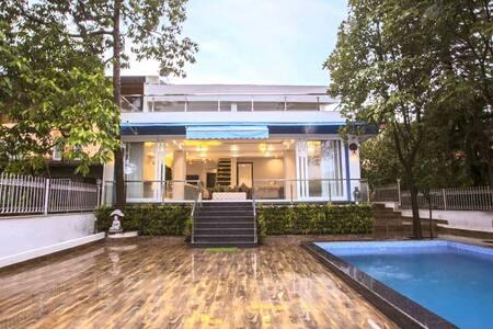Celeste' Villa - 5bhk modern villa with pool
