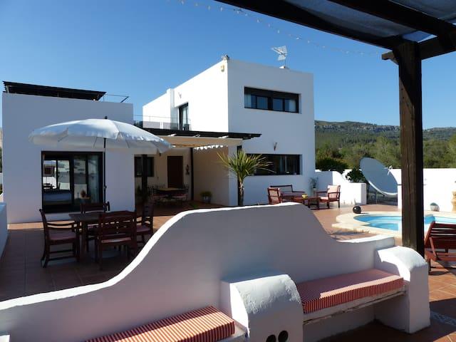 Casa blanca en el campo - piscine - 8 personnes
