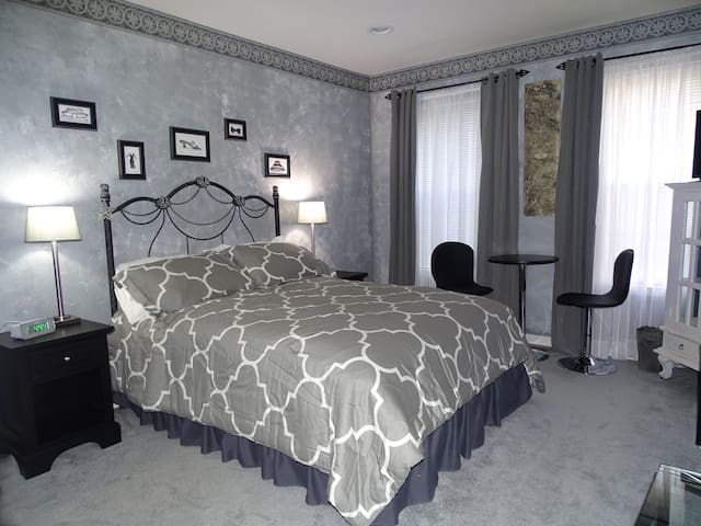 Spectacular private room and bath - Bordentown - Dom