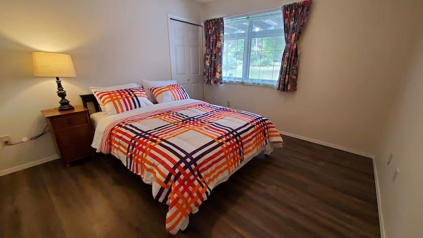 Bedroom 3, Qeen Bed