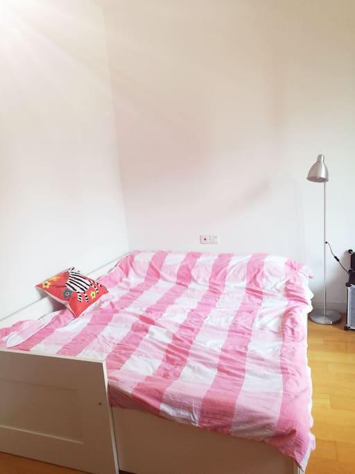 1.6米宽宜家百灵床