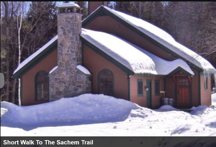 Okemo Ski House-Private Studio, Walk to Sachem