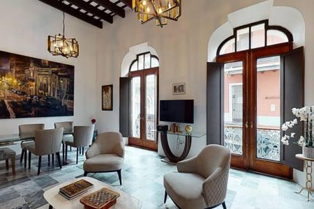 Artsy Apartment in Old San Juan