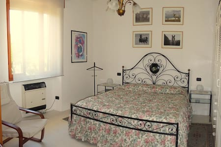 Lake Maggiore privat ground floor 2 rooms & garden
