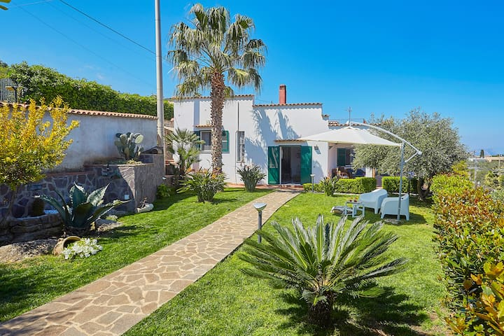 VILLA NEAR  SEA BETWEEN PALERMO-CEFALU' OFFER JUNE
