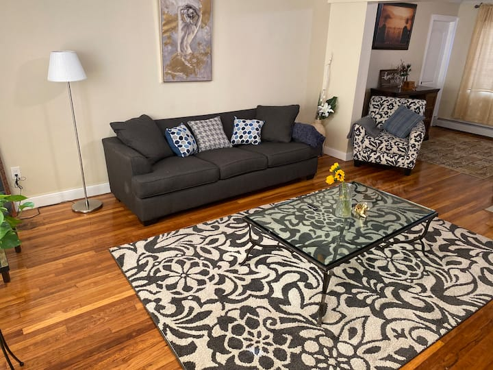 Feels Like Home - 2 bedroom apartment