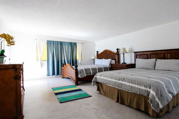 Charming 3 bedroom Malibu Beachfront House - Malibu - House