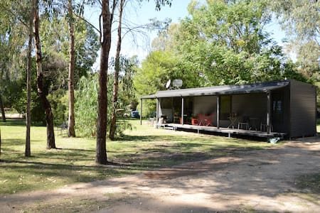 Peaceful Modern Cabin Close to the Murray River
