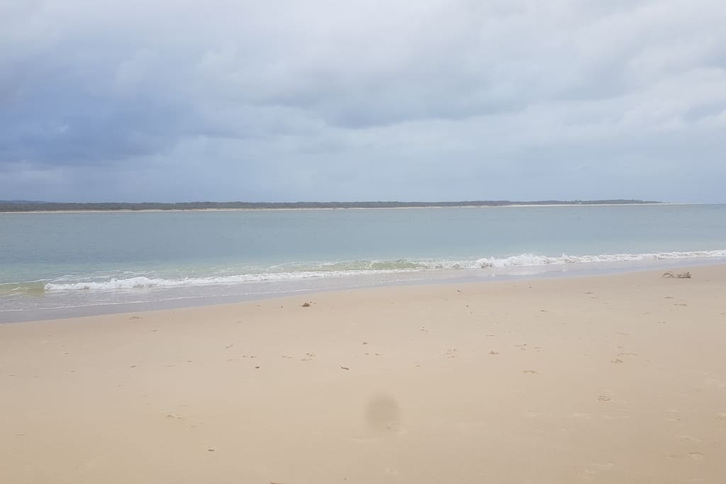 I skip point 10 mins drive view of Fraser Island