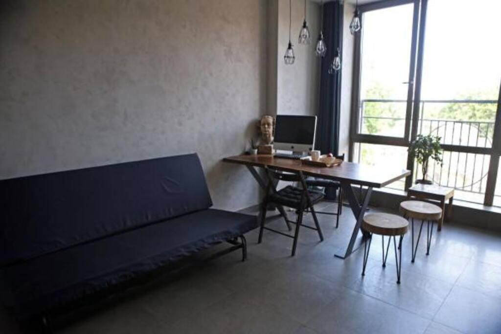 Гостинная-кухня, 2-х спальный диван
