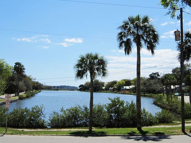 Historic Downtown St. Augustine Lakefront Condo