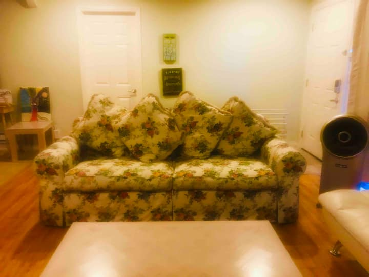 COZY, CUTE, CLEAN AND SECURE CONDO IN TORRANCE