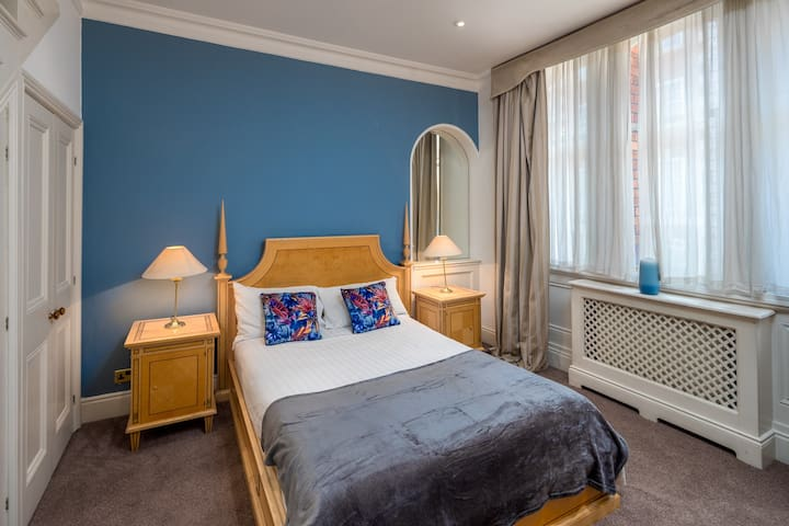 1 Bed flat in Mayfair, Oxford St