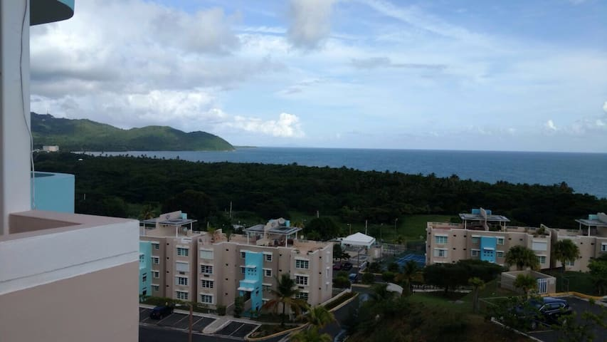 Ocean View Penthouse/Villas del Faro Resort - Maunabo - Квартира