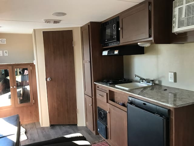 2016 camper,bathroom, full kitchen - Provo - Karavan