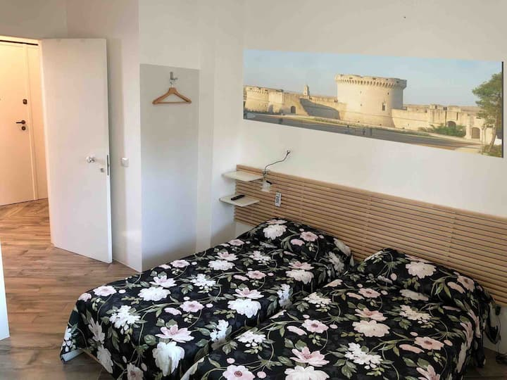 Cozy bedroom next to the Castello Tramontano 1