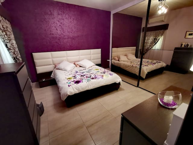 Highly Furnished Room - Ideal for Dog Lovers