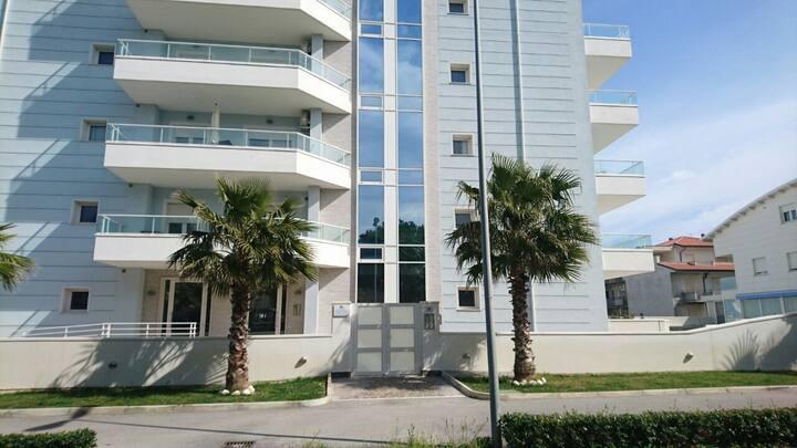 Delizioso  appartamento a 30 metri dal mare