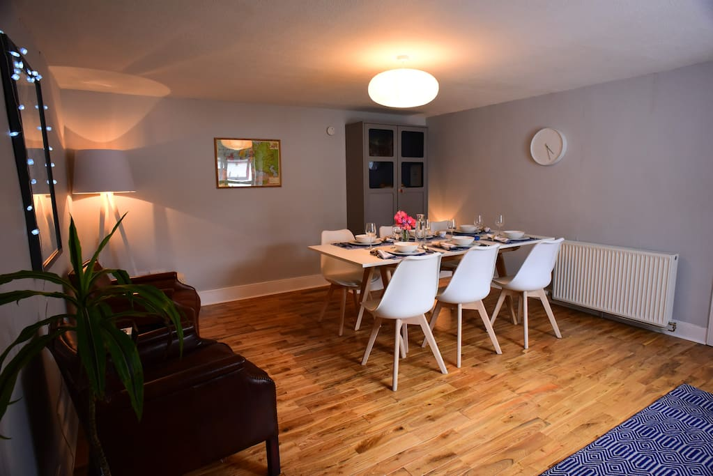 Dining room - Newly decorated, spacious and bright
