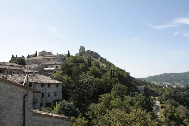 Chicca medioevale centralissima con vista Rocca - อัสซีซี - บ้าน