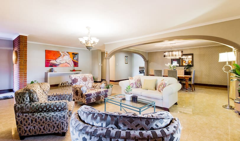 Private apartment in beautiful Cape Winelands
