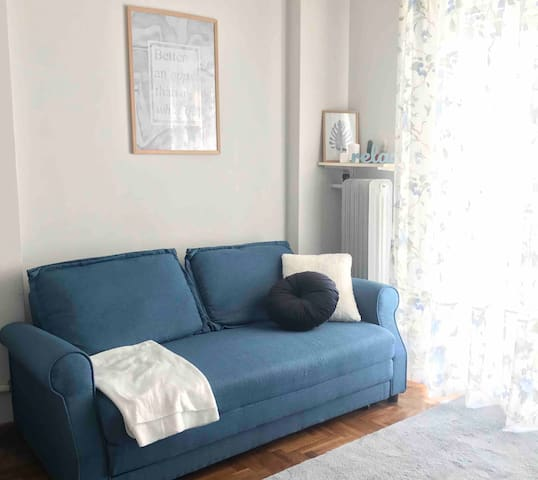 Cozy flat at city center, 1' from metro station