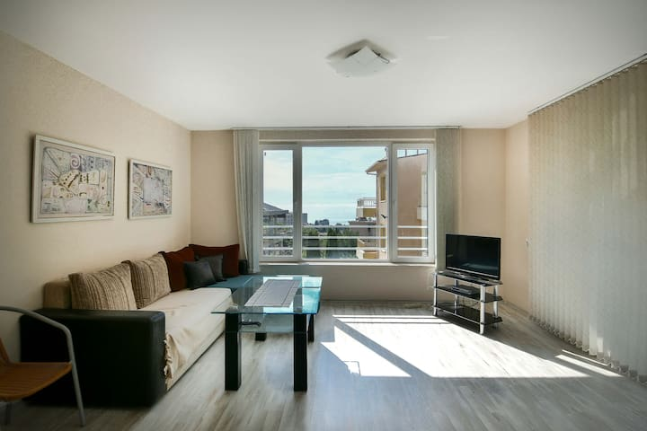 Budget 2BR flat close to the beach with sea view