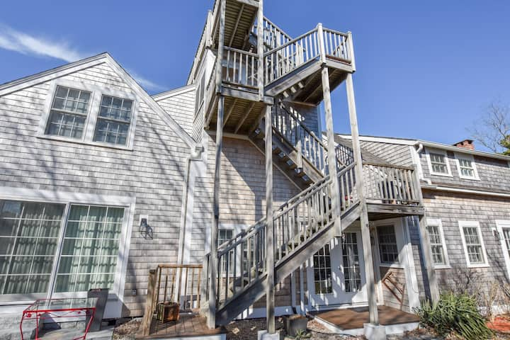 #133A: 3 Newly Renovated Condos w/ Beach Access, Private Patio & Roof Deck w/ Water Views!