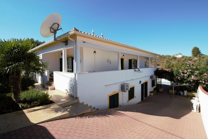 Villa alcantarilha riviera portugaise - Alcantarilha - Huis