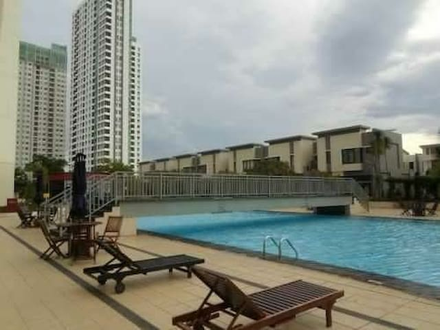 "1 BR apartment ""Cosmo Mansion"" Thamrin City"