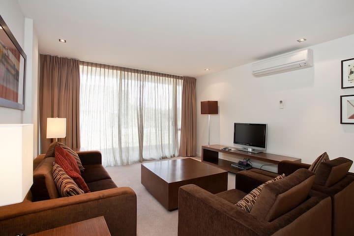 Deluxe Apartment 1 Bedroom #1