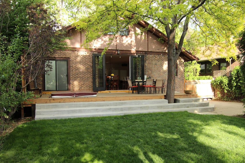 New, private back deck with 6-person hot-tub and shade trees