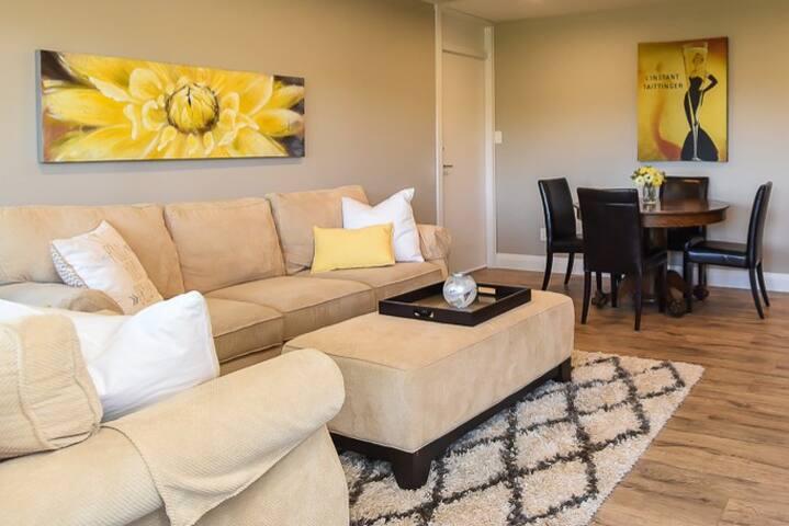 Bella Vista Suite - new cozy fireplace!