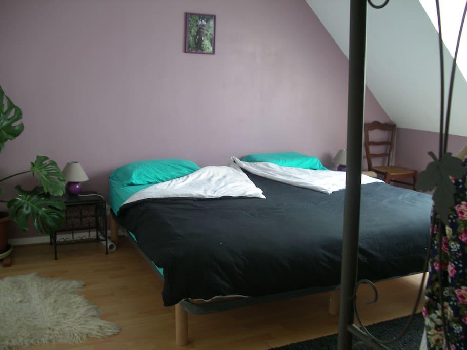 grand lit de 180... pour le plaisir de s'étaler !