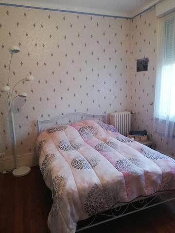 chambre lit double accés terrasse