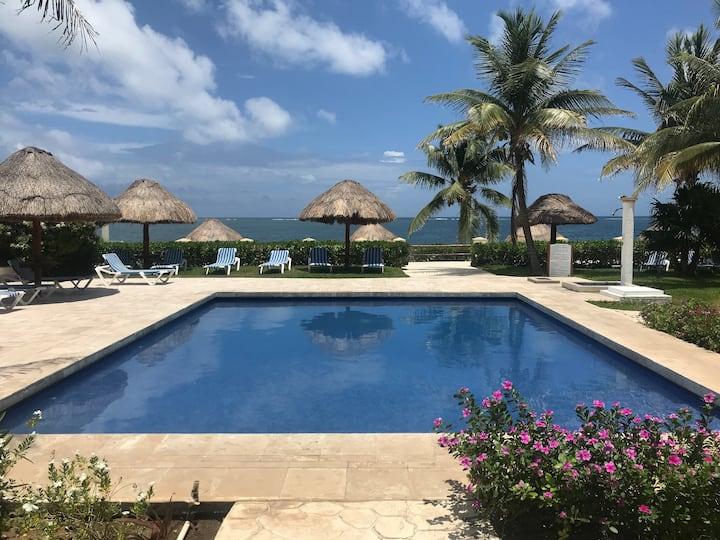 Front Beach/ Puerto Morelos/Arrecife