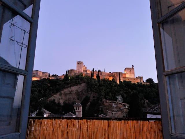 AMAZING VIEWS FROM THE ALBAICIN - กรานาดา - อพาร์ทเมนท์