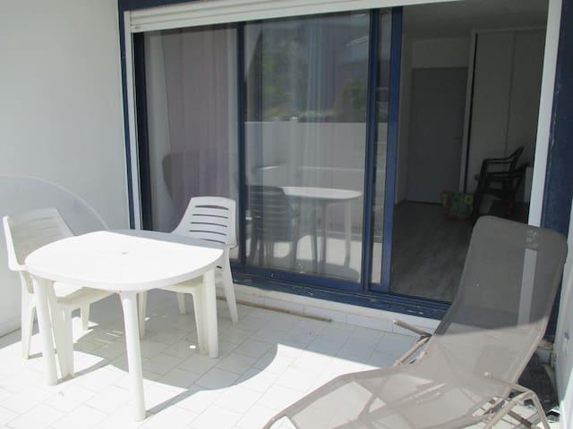 BEAU STUDIO CABINE PROCHE TERRAIN DE GOLF - La Grande-Motte - Apartamento