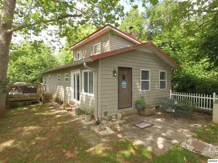 Coveside Retreat (New Property Listing)